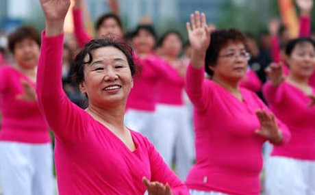 中国大妈的狂欢——广场舞图片